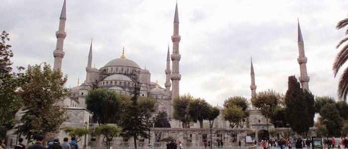 Turistler Sultanahmet'te zehir soluyor!