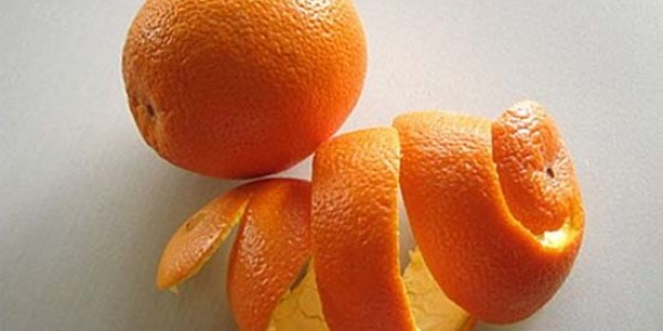 Portakal kabuğu ekmek kapıları oldu