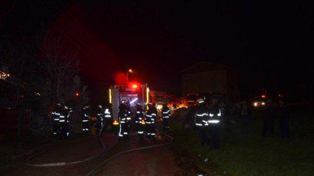 Bursa'da Plastik Eldiven Fabrikası Yangını