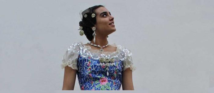 180 Plastik Şişeden Yapılan Geri Dönüşüm Elbisesi
