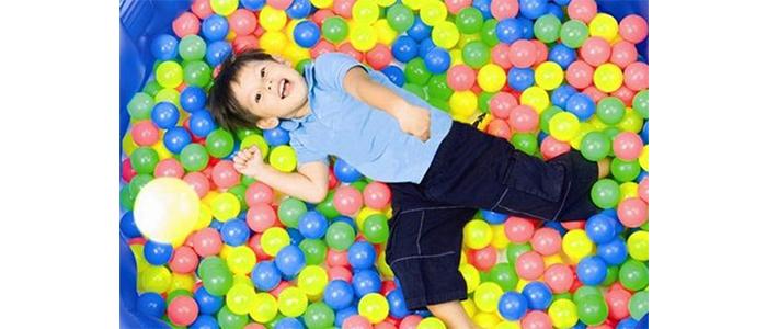 Plastik oyuncaklar çocuğunuzu şişman ve kısır yapabilir