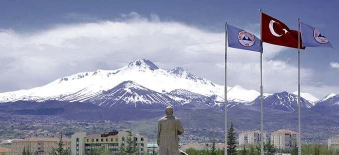 Erciyes Üniversitesi'ne Kimya Laboratuvarı