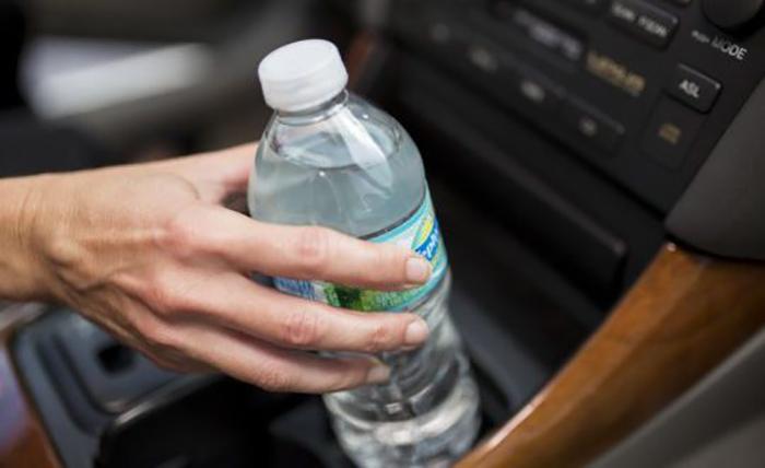 Sıcakta Kalan Pet Şişelerdeki Suyu İçmeyin!