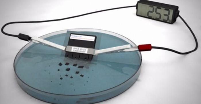Suyun içinde tamamen çözülen batarya üretildi