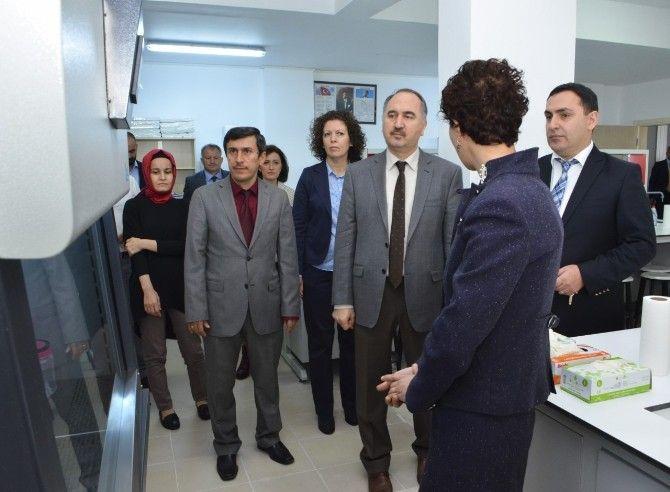 Sinop Üniversitesine tam donanımlı iki yeni laboratuvar