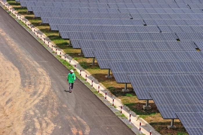 Mersin'e dünyanın en büyük 5'inci güneş enerjisi santrali