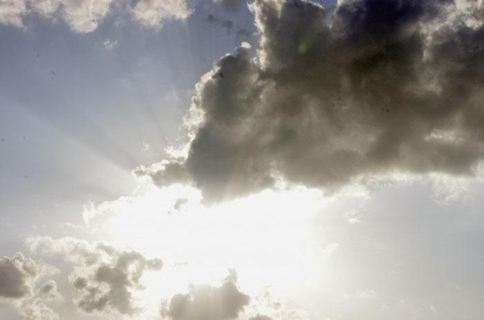 Bir Sahil Aşkının Hayali: Uzun Süreli Güneş Kremi Yolunda Bir Adım