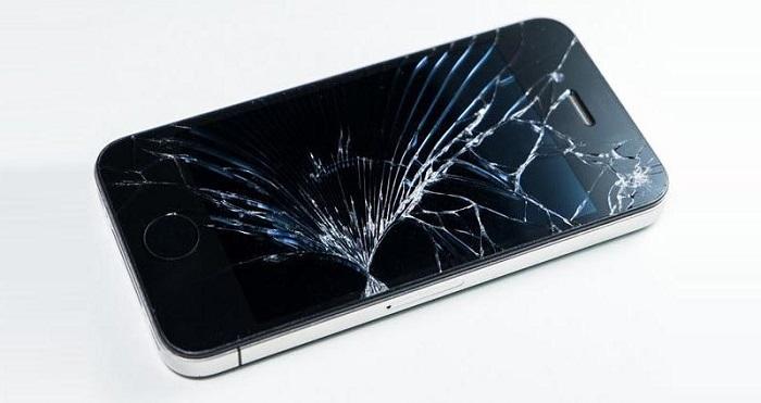 Bu telefon ekranı, 24 saat içinde kendini tamir edebiliyor