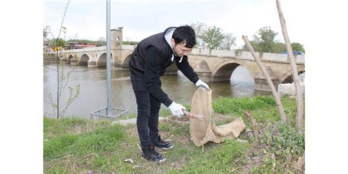 Tunca Nehri Çevresinde Plastik Atık Temizliği Yapıldı