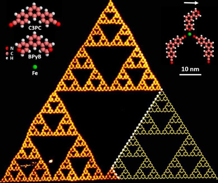 Moleküller Büyük Fraktal Üçgenin İçinde Üretildi