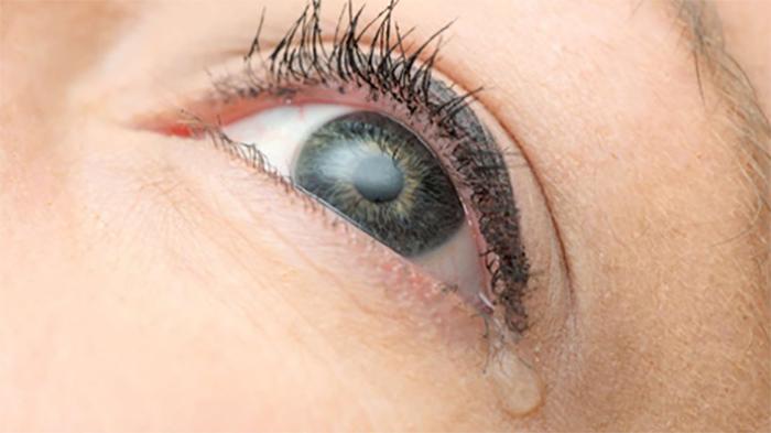 Yeni Bir Araştırmaya Göre Gözyaşlarınız Elektrik Üretebilir
