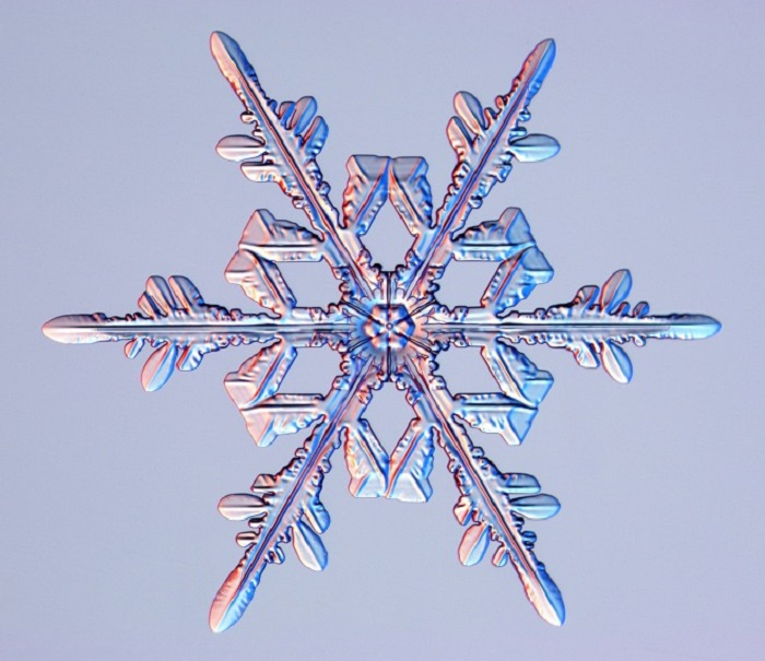 sivi metal kar tanesi seklinde nasil buyur - Sıvı Metal Kar Tanesi Şeklinde Nasıl Büyür?