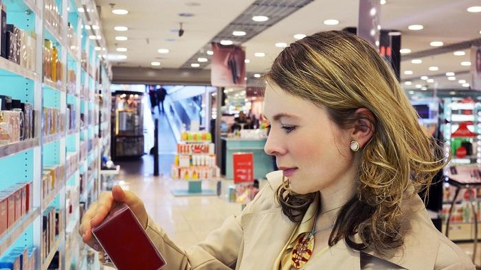 Yüksek Ftalat Seviyelerine Maruz Kalan Kozmetik ve Parfüm Satış Elemanları