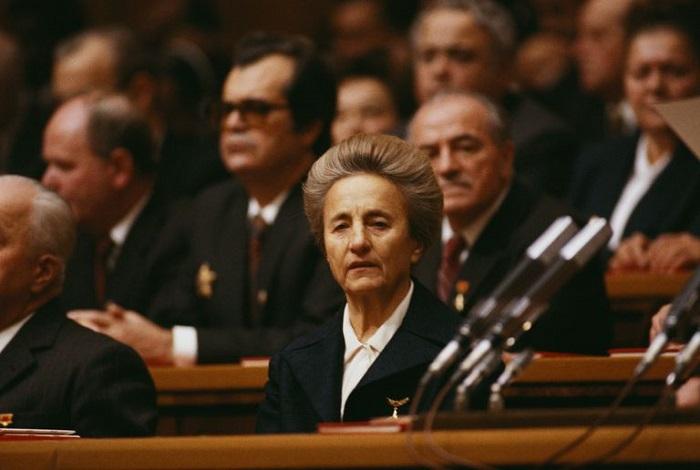 elena ceausescu - Elena Ceausescu