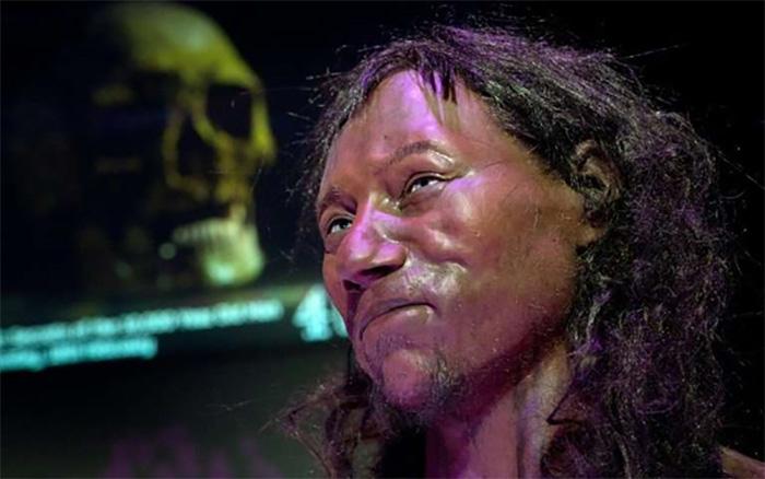 DNA, İlk Modern İngiliz'in Koyu Tenli ve Mavi Gözlü Olduğunu Gösterdi