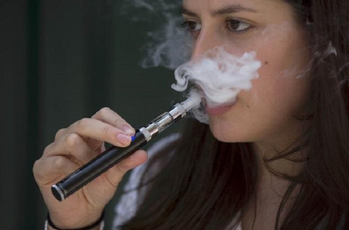 Elektronik Sigaraların Tehlikeli Miktarda Kimyasal İçerdiği Saptandı