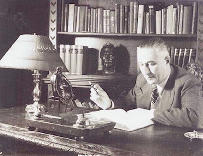 Costin D. Nenițescu