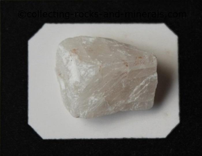 Karbonat Minerali Kendi Kendine Elmas Oluşturuyor