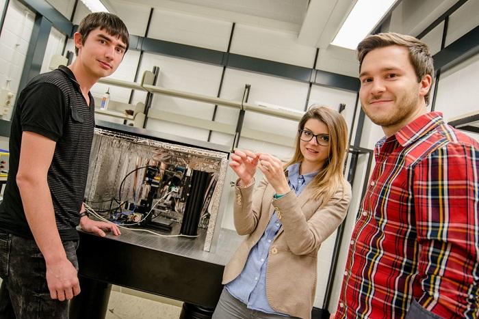 Hidrojen Üretimi için Güçlü ve Ucuz Katalizörler