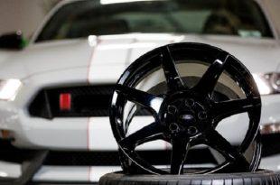 ford mustang shelby gt350r karbon fiber tekerlekler uzerinde salinacak 310x205 - Ford Mustang Shelby GT350R Karbon Fiber Tekerlekler Üzerinde Salınacak