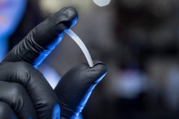 """""""Sınırsız"""" Geri Dönüştürülebilir Polimer, Plastiklerin Pratik Özelliklerini Gösteriyor"""