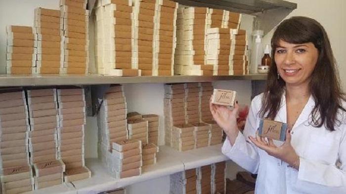 Tunceli Dağlarında Topladığı Bitkilerle Doğal Kozmetik Ürünleri Üretiyor