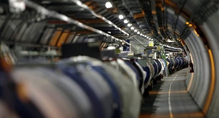 Bilim İnsanları, Atomu İlk Kez Işık Hızına Yakın Hareket Ettirmeyi Başardı