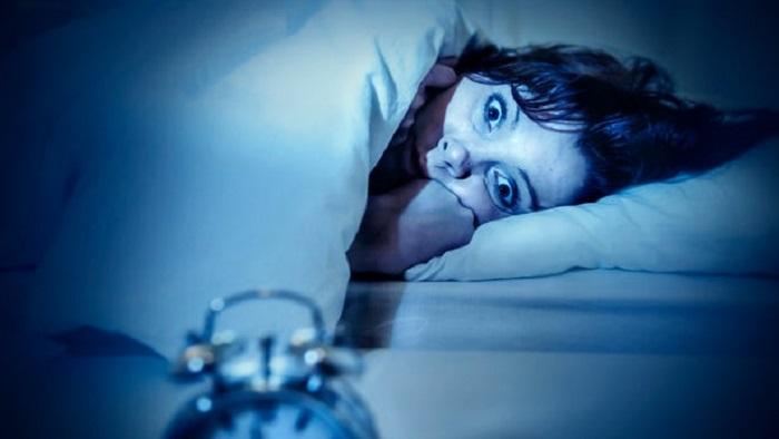 Uykusuzluktan Kaynaklanan Moleküler Değişimler Nasıl Kilo Aldırıyor?