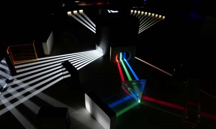 Araştırmacılar, Işığın Enerjisini Kontrol Etmek için Yeni Bir Materyal Geliştirdi