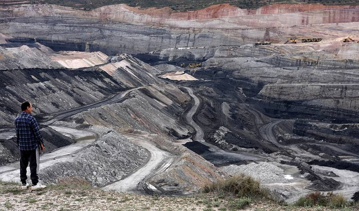 İspanya Kömür Madenlerini Kapatıyor, Maden Sendikaları Kutlama Yapıyor