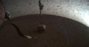 insight lander ana sensorunu mars yuzeyine birakti 310x165 - Insight Lander Ana Sensörünü Mars Yüzeyine Bıraktı