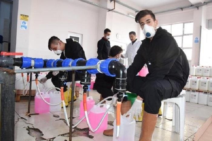 Öğrenciler 600 Ton Temizlik Malzemesini Üretip Satıyor