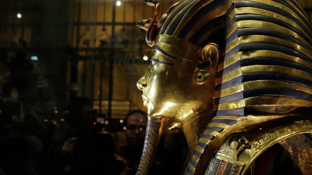 Bilim İnsanları, Firavun Mezarındaki Sarı Cam Gizemini Çözdü