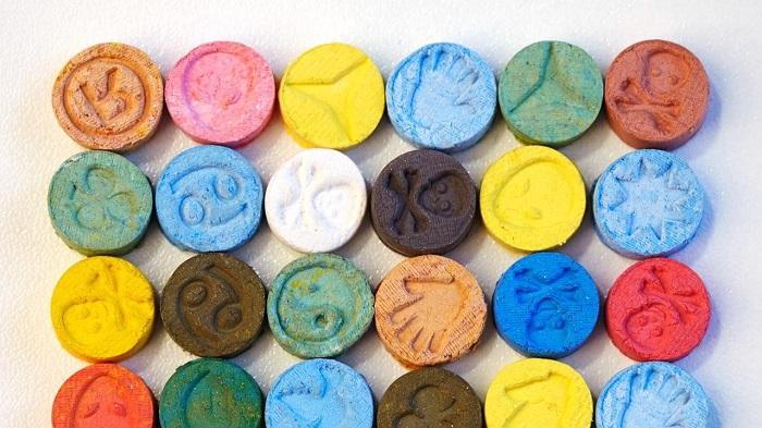 Japon Profesörler, Öğrencilere MDMA Yapmayı Öğrettikten Sonra Hapis Cezası Alabilir