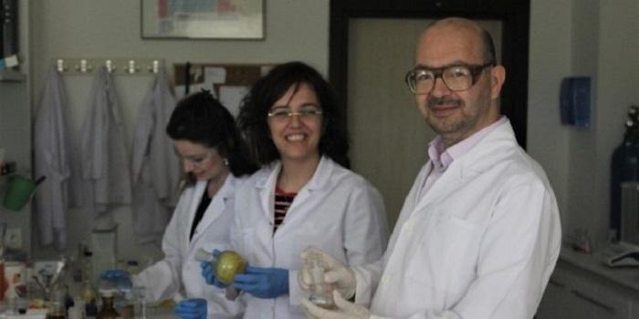 Uludağ Üniversitesi Profesörü Işık Yayan Molekül Çalışmasına 25 Yılını Verdi