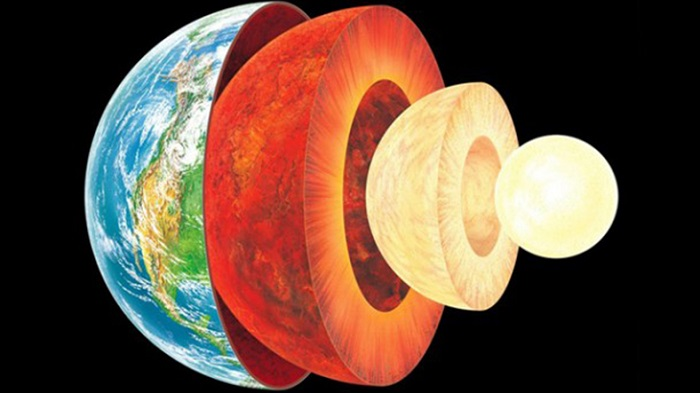 Dünya'nın Çekirdeğinin 2,5 Milyar Yıldır Materyal Sızdırdığı Keşfedildi