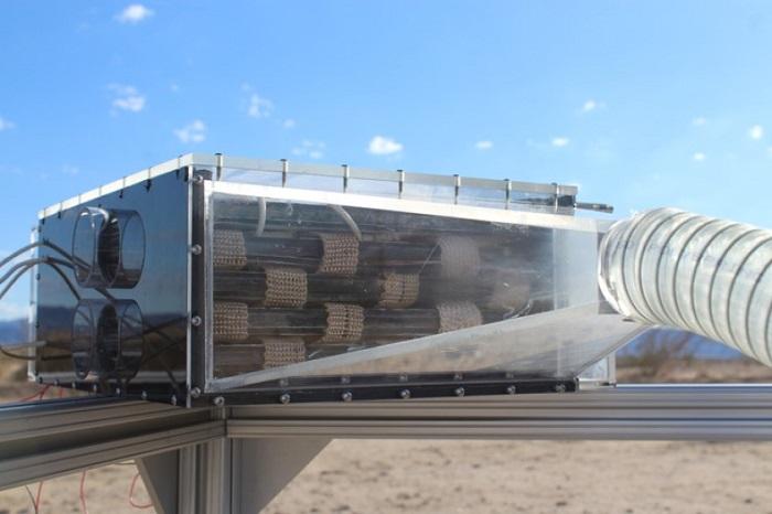 Bilim İnsanları, Çölde Bile Su Üretebilen Bir Cihaz Geliştirdiler