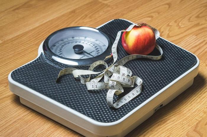 Yeni Bir Çalışma Çocukluk Çağındaki Obezitenin Plastiklerdeki Gündelik Kimyasallarla Bağlantılı Olabileceğini Buldu