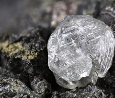 Elmas Kadar Sert? Bilim Adamları Yeni Süper Sert Karbon Formlarını Tahmin Ediyor