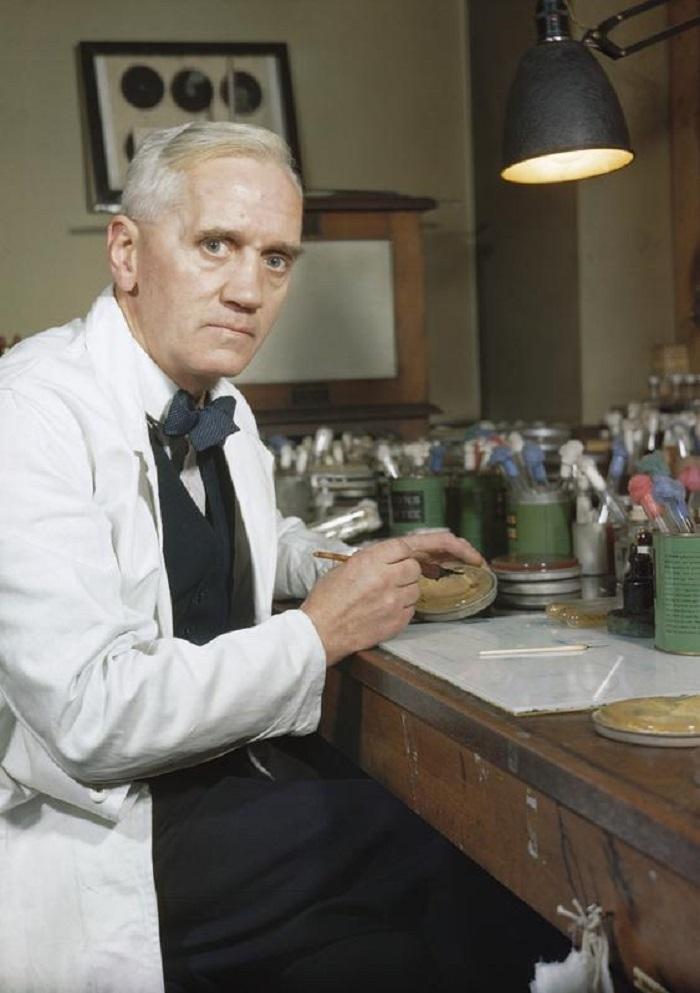 Penisilin Hikayesinde Alexander Fleming Küçük Bir Karakterdi