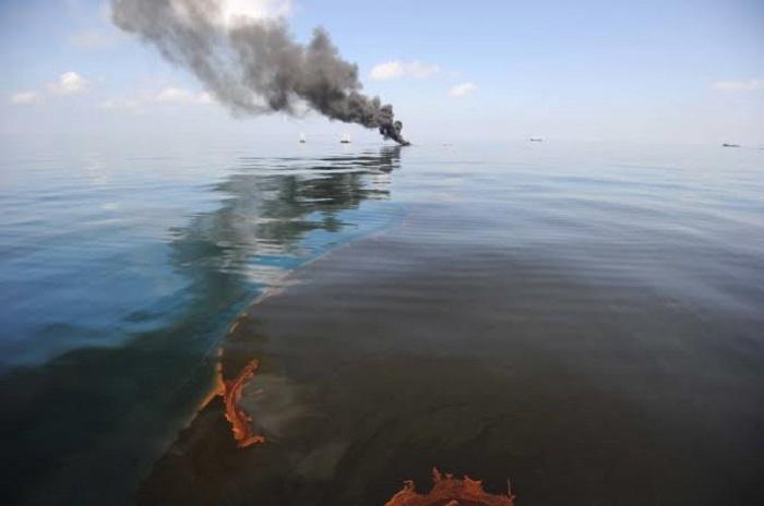 Petrol Sızıntılarını Temizlemek için Güvenli Bir Çözüm Yolu
