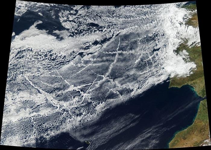 Gemi Emisyonları Bulutlarda Ölçülebilir Düzeyde Bölgesel Değişiklik Yaratıyor