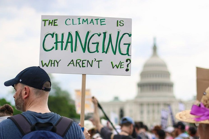 Yerel İklim Politikası Değişikliğini Sağlamak için Doğal Afetler Olağandışı veya Ölümcül mü Olmalı?