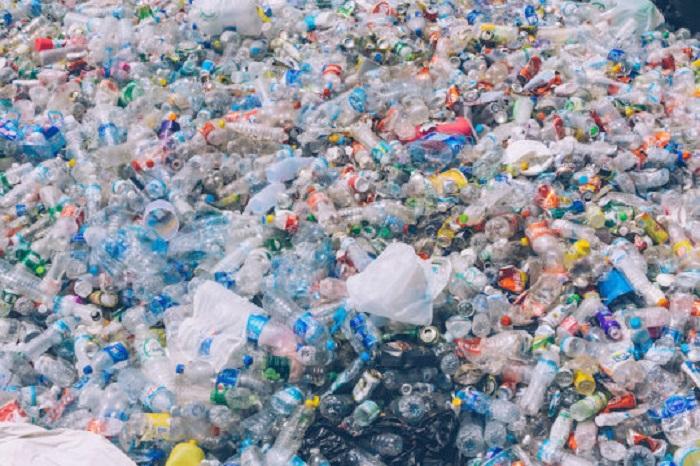 Plastiğin Çözünme Süresini Azaltan PETaz Enzimi Yeniden Tasarlandı