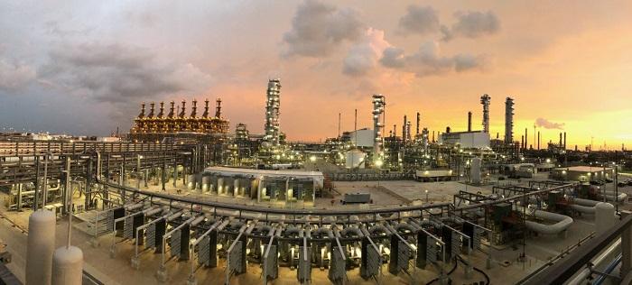 Dünya Çapındaki Petrol Rafinerileri, Az Talep - Çok Stok ile Mücadele Ediyor