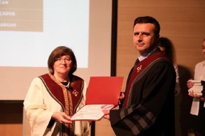 Kütahya'nın Emet İlçesinden Olan Analitik Kimya Profesörü Ali Özcan'ın Başarısı Gururlandırdı