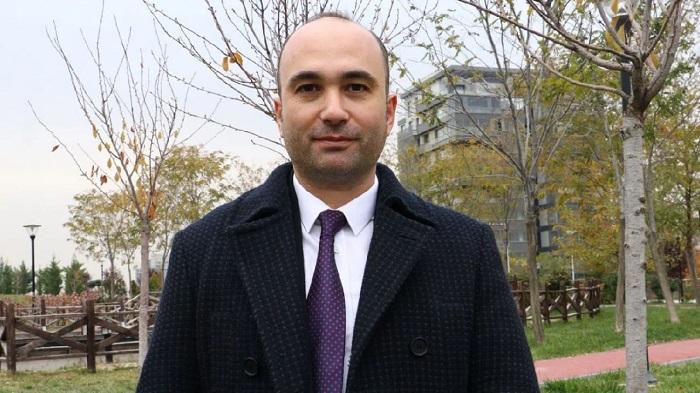 Pfizer'ın COVID-19 Aşısı için Gönüllü Olan Türk Doçent, Yan Etkileri Anlattı