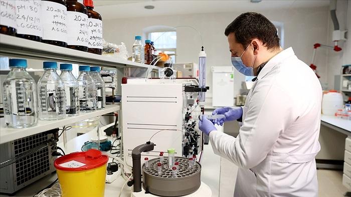Türk Araştırmacı Keçi Sütünden Kovid-19'a Karşı İlaç Adayı Moleküller Geliştiriyor