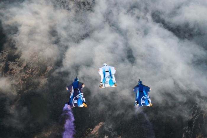 BMW i'nin Son Harikası: Uçan Giysi