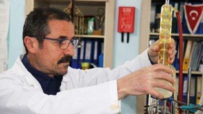 İnönü Üniversitesi Mühendislik Fakültesi Kimya Mühendisliği Bölümünden Doç. Dr. Yunus Önal'ın Amigdalin Çalışması
